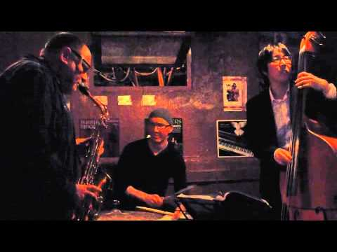 Gilad Atzmon Solo on Donna Lee