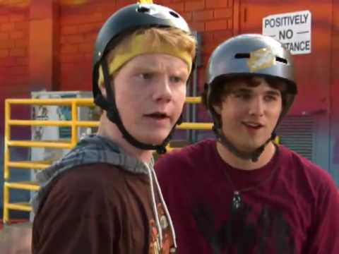 Disney XD Learn to Skate - YouTube