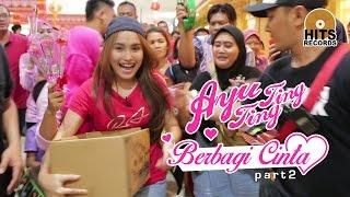 "Video Ayu Ting Ting & Ibu Sri ""Ngamen Sambalado"" Berbagi Cinta Kepada Sesama (2/2) download MP3, 3GP, MP4, WEBM, AVI, FLV November 2018"