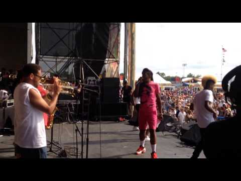 "Big Freedia ft The Soul Rebels 4/26/14 Nola Jazz Fest - ""Get Lucky"""