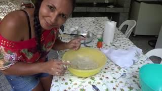 Receita de Bolinho de Bacalhau com Molho de Pimenta Caseiro