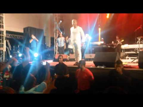 Kirk Franklin - A God like you / Melodies from Heaven - Curitiba/ Brasil
