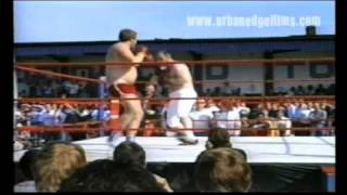 1. THE GUV'NOR OF UNLICENSED BOXING --LENNY McLEAN (part 1 exclusive)