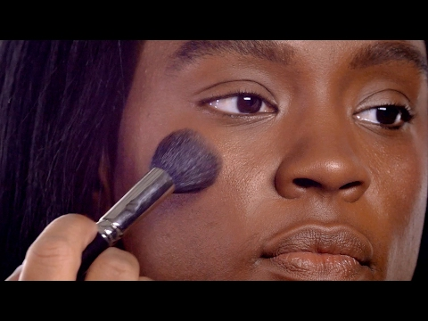 HOW-TO: FLAWLESS FOUNDATION AND RADIANT HIGHLIGHT FOR DARK SKIN I MAC TUTORIAL