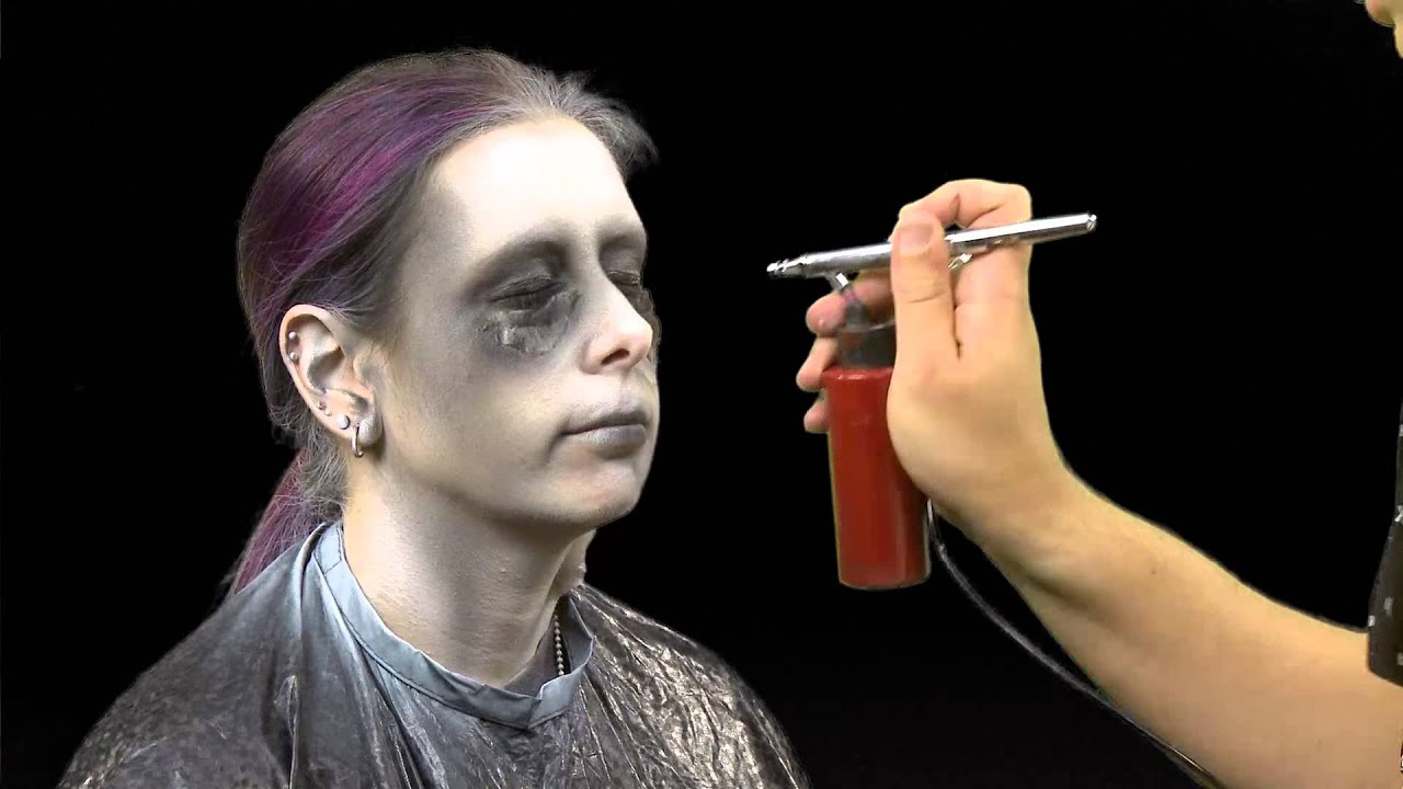Mistress Carrie gets made-up for Halloween - YouTube