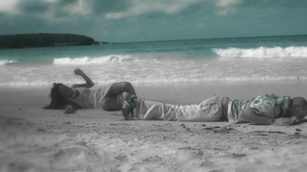 Calle 13 - Muerte En Hawaii - Escuchar en Deezer