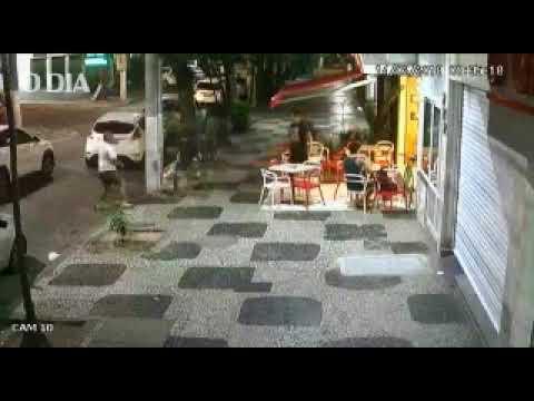 Bandidos fortemente armados roubam lanchonete em Icaraí