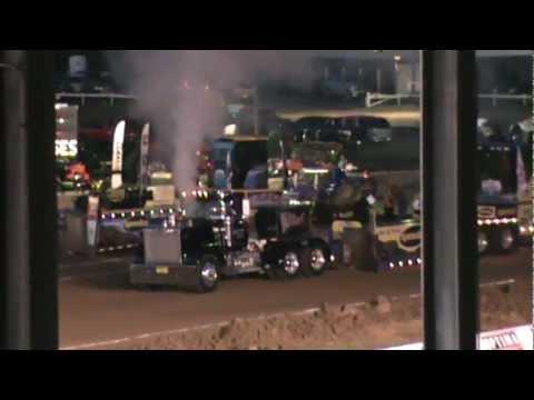 Full Pull Semi Truck Pulls Waynesburg PaThe Killer Dale Francis 1985 Superliner V-8 Mack 4 Turbo