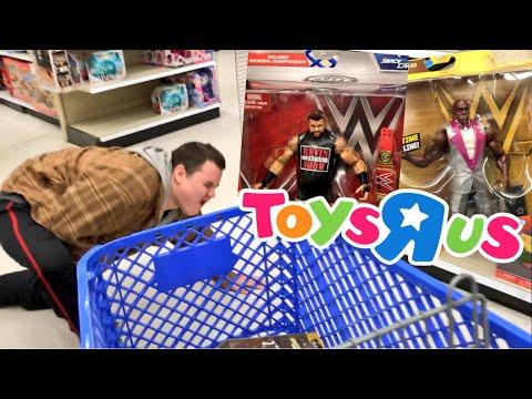 RAMMED TOY SCALPER w/CART! WWE FIGURE SHOPPING AT TOYSRUS!