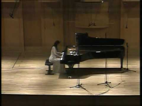 Xintian Zhu plays SchuMann Fantasie Op.17-1