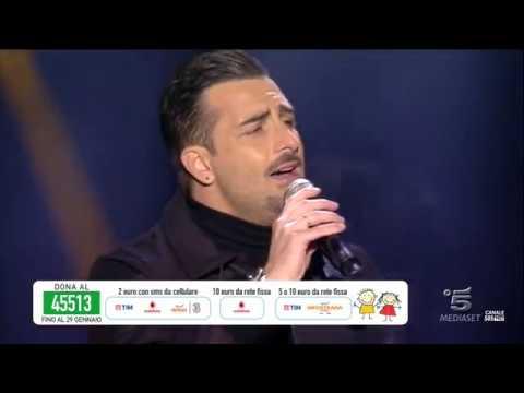 Rosario Miraggio ed i Mr.Hyde ospiti di Gigi D'Alessio in diretta su Canale 5 (Capodanno 2017)