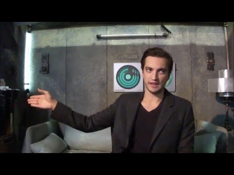 The 100 On Set  with Richard Harmon