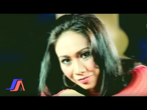 Ade Irma - Idola Wanita (Official Music Video)