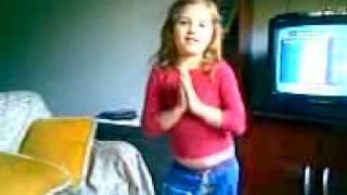 Alessandra dançando caminho das indias