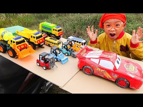 Car Toys Construction Vehicles for kids with Dave Mario and brother Making Cardboard Slide