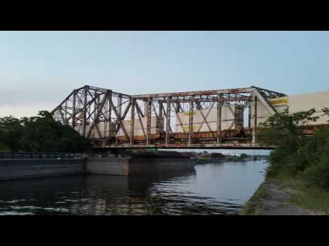 BNSF freight train heads toward Chicago in Lemont IL