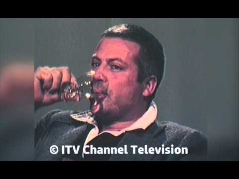 Oliver Reed discusses Shelley Winters and equality - with spectacular ending!