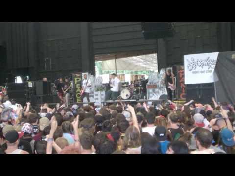 Neck Deep - Happy Judgement Day (Vans Warped Tour 2017, ATL)