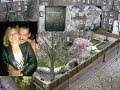 Freddie Mercury s House  His Former Girlfriend   Mary Austin   removed the fans Shrine  Garden Lodge