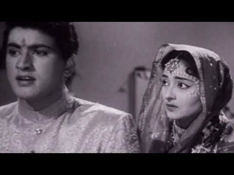 Manoj Kumar Abuses his Wife, Picnic - Emotional Scene 6/15