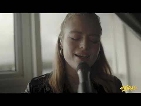 Freya Ridings - You Mean The World To Me (Today FM)
