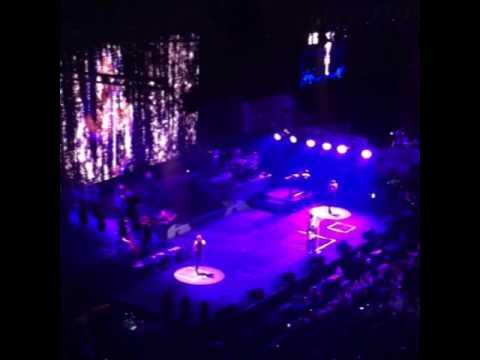 Ariana Grande - Tattooed Heart ( Honeymoon tour Philippines)
