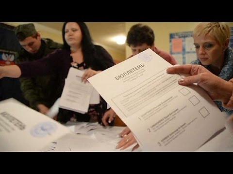 Rebels back separatist leaders in east Ukraine vote