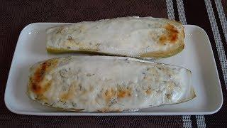 Кабачки, фаршированные творогом и сыром