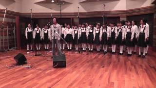 2013年10月6日、新沼謙治がすみだ少年少女合唱団とともに「ふるさとは今...