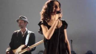 PJ HARVEY - Pig Will Not (live @ AB, Brussels 2009)
