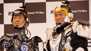 俳優の松平健さんが11月19日、自分にそっくりなロボット「リアル・アン...