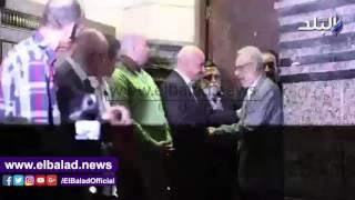 بالفيديو والصور... النجار والعلايلي والشناوي يشاركون في عزاء خان وكامل بعمر مكرم