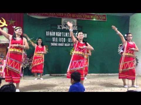Múa Tiếng đàn Ta Lư tuyệt đẹp - xóm Đại lý Dũng Huyền- Thống Nhất- Mai Sơn- Sơn La