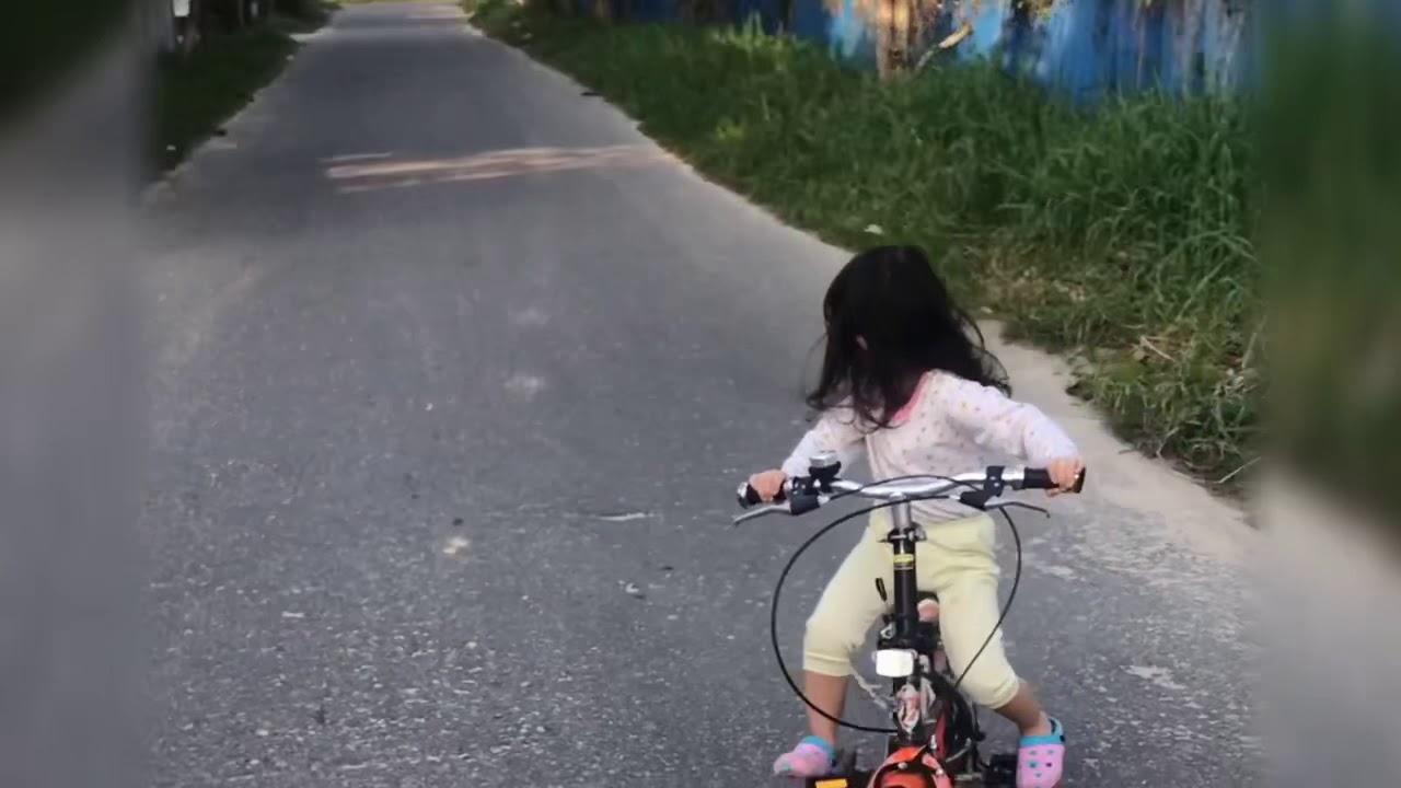 Sepeda Anak Perempuan - Kid bike ride - YouTube