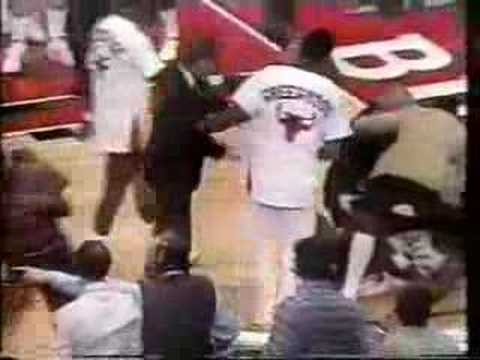 Bulls vs. Pistons 1984-85 - Rookie Jordan saves the day