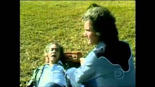 ROBERTO CARLOS & ERASMO CARLOS  SENTADO A BEIRA DO CAMINHO VIDEO CLIP 1980