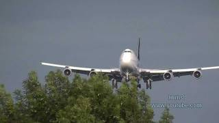 Airlines Landing At London Heathrow