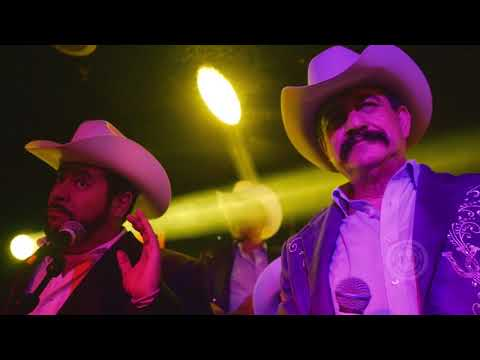 Los Originales De San Juan - La Caspa Del Diablo En Vivo (Video Oficial)