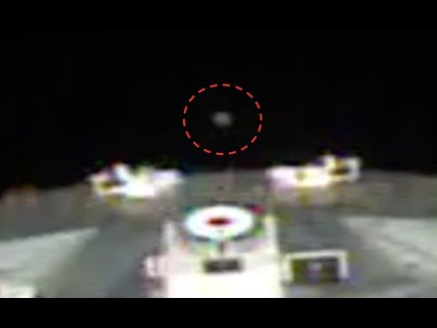 nouvel ordre mondial | UFO Captured In Live Space Station Camera, WTH Is It? April 2, 2018