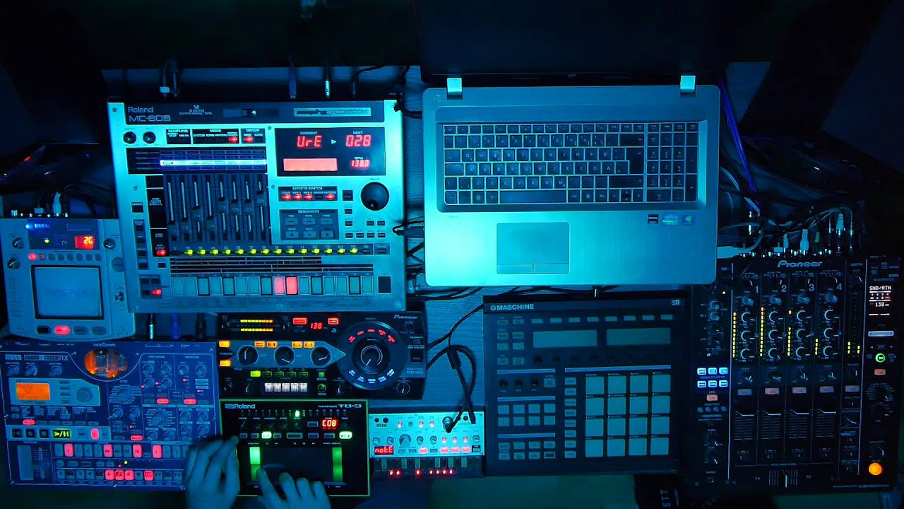 Hd acid tech house roland aira tb 3 korg volca bass for Acid house techno