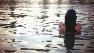 Mangesto feat. Ashya Roberts - Runaway (Lounge Mix)