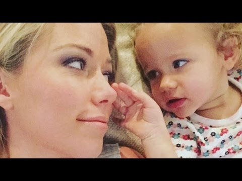 Kendra Wilkinson Proudly Flaunts Her Stretch Marks in New Mother's Day Selfie