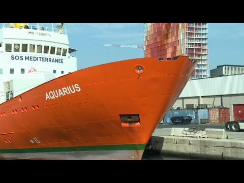 Aquarius forçado a parar
