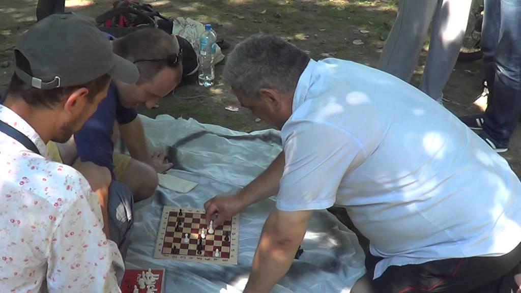 Anglia vs Moldova  (amatori)  partidă de șah la Microfonul liber
