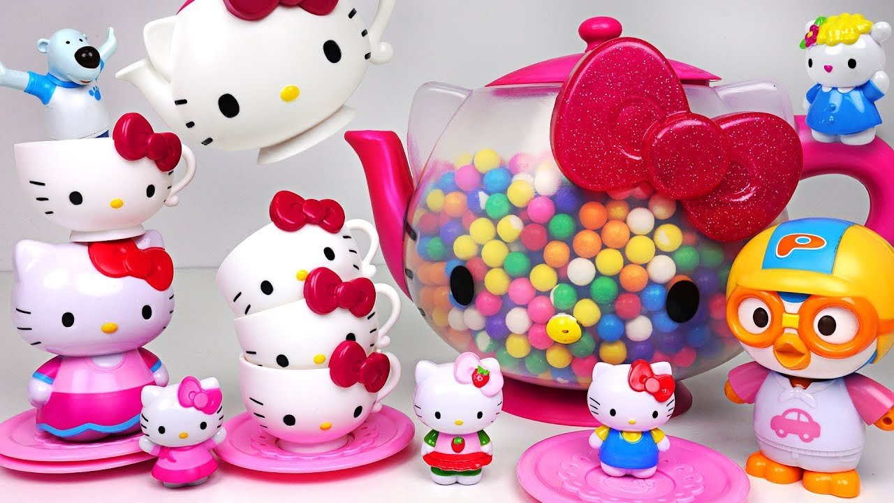 What's in the Hello Kitty Teapot? Make Tea play with Baby Shark and Pororo  - PinkyPopTOY