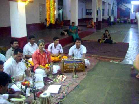 kasaragod saptaha.. mulky bajan mandali with solo dance from udupi maam.
