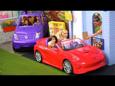 Barbie Doll Drive Thru Restaurant Work Routine with Miniature Doll Food
