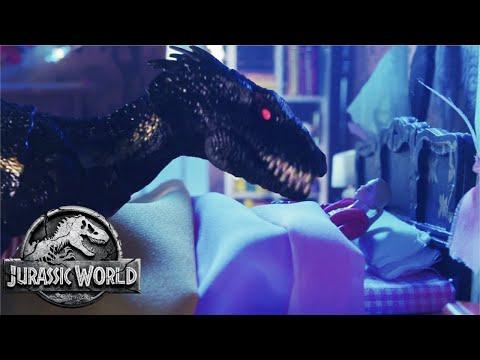 Blue vs. Indoraptor (Sweded) | Jurassic World: Fallen Kingdom | Mattel Action!