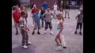 Урок физкультуры в школе  Physical education/ Child/Electronic Dance Music/ EDM(Именно от ребенка, который учится танцевать. Мне понравилось видео Jeckyll & Hyde - Freefall., 2013-09-04T02:45:12.000Z)
