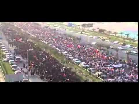 مسيرة الوفاء للشهداءThousands of bahraini protesters 22-02-2011